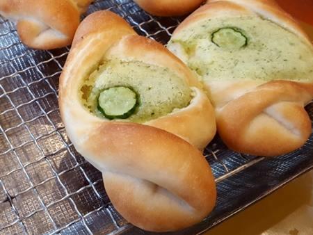 きゅうりのクリームパン