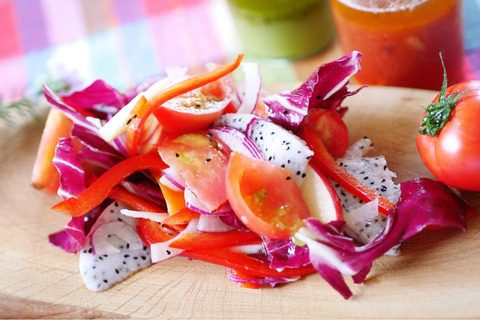 トマトの赤いサラダ